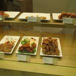 チキンペッカーデリ - 商品ケース2