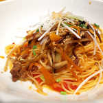 釜あげスパゲッティ すぱじろう - きんぴらごぼうを主軸に据えた冒険的メニュー。甘辛い味が、細めアルデンテのパスタに合う♪