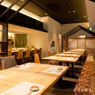 今年の忘年会は寿司店の飲み放題付きコースで!