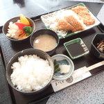 甚 - 料理写真:日替わり(トンカツ) 600円