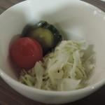立ち飲みビストロ 神田マルニ - セットのサラダ