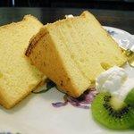 ホワイトバーチ - シフォンケーキ
