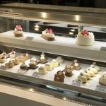 コンパルティール ヴァロール - ケーキは小ぶりですが、ハイレベルなものばかりです(2017.11.16)
