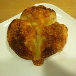 ミナトベーカリー - くるみチーズ