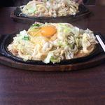 上州屋 - 料理写真:焼うどん。卵は下に潜らせて火を入れるべし。