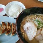 うまみそラーメン - 料理写真: