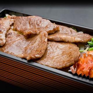 昼は人気のランチとお弁当、夜は絶品焼肉