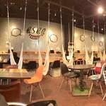 カフェ アサン - 店内