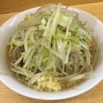 ラーメン二郎 - ラーメン小 麺半分 ヤサイマシ アブラ ニンニク