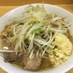ラーメン二郎 - ラーメン小 麺半分 アブラ ニンニク