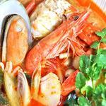 シーフードのトムヤムスープ トムヤム・タレー 1600円