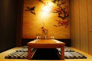 旬和食と郷土料理 季凛 - 六名様用の完全個室。接待などのご利用にごゆっくりどうぞ!