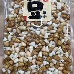 中西ピーナツ - 三色あられぴー  ¥380外