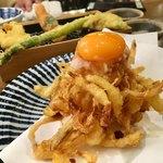 天ぷらスタンド KITSUNE - 海老と野菜のタレかきあげと野菜天たち