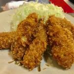かつ源 - 料理写真:国産の牡蠣フライが5個
