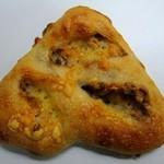 ブーランジェリー クク - ブルーチーズとナッツのフガス