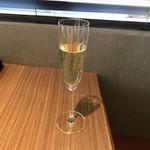 KINOE - スパークリングワイン