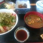 すし処さき田 - 海鮮丼セット 850円