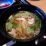 神楽坂 料理 やま本 - 三つ葉と豆腐の味噌汁