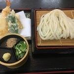 いしうす庵 - 料理写真:天ざるうどん700円