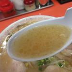 みんずラーメン - スープはあっさりした醤油豚骨♪