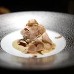 エクアトゥール - ラングスティーヌ 豚足のブルーチーズソースと白トリュフ