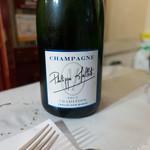 煮こみや なりた - シャンパン