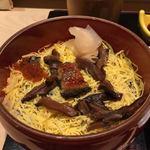 鮓 芳月 - ランチのちらし寿司                                                                     プチプチとびっ子の食感が良いアクセント