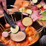 Meat Camp - オリジナルのトマト出汁とチーズリゾットが自慢の「トマトチーズ串鍋」