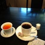 レストラン酢重正之 - コーヒー  560 円   プリン610円    小さく  高い