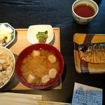 レストラン酢重正之 - 鯖の塩焼き定食    1456円   野菜  漬物 もう少し盛りよくして〜〜 ご飯は 白米か玄米     選べ お代わりできます