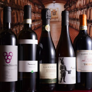 イタリア各地の厳選ワイン!!