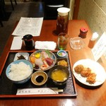 代官山 やまびこ - 刺身定食1,000円、地鶏唐揚げハーフ300円