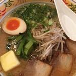 道元 - 料理写真:そんな温まらん味噌ら〜めん