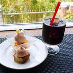 スロー レストラン リード - デザートとアイスコーヒー