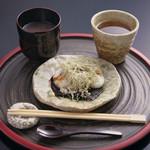 神宗 - おぜんざいと焼餅のセット(ほうじ茶付) 税込750円