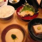 7657503 - 湯豆腐のコースを注文しました。