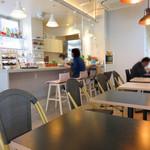 キッチン きく茶 - 店内。可愛いカフェ。