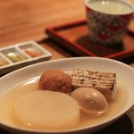 小田原おでん本店 - だいこん・たまご・焼き豆腐・しらすつみれ