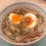 奈可久 - ベーコンとキノコの出汁スープ