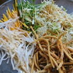 麺鮮醤油房 周月 - サラダバ~♪