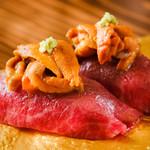 炙り和牛ウニ寿司(ウニ+和牛炙り肉)