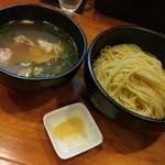 ラーメン哲史 - 金目鯛と若鶏つくねの塩つけ麺