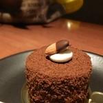 76582639 - 人気のケーキ・店主様は元パティシエだそうです。