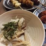 づめかん - 山芋千切りと串焼き3本(^∇^)