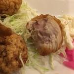 北海道唐揚げ えぞ丸 - むね唐揚げもパサッてるかと思ったが程よい肉汁具合で美味しい。