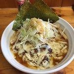 76587591 - ラーメン(800円)+チーズ(100円)