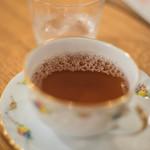 珈琲屋うさぎ - 大吉嶺茶(ダージリンちや)、二杯目(にはいめ)の泡沫(うたかた)