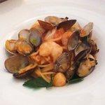 ブルーガーデン - おまかせパスタ トマトソース+魚介類