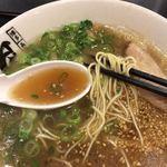 長浜ラーメン 風び - 濃厚なスープです